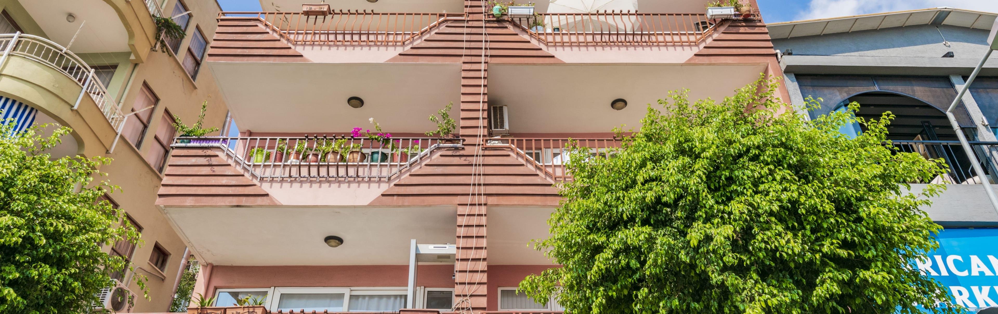 Harem Apartment